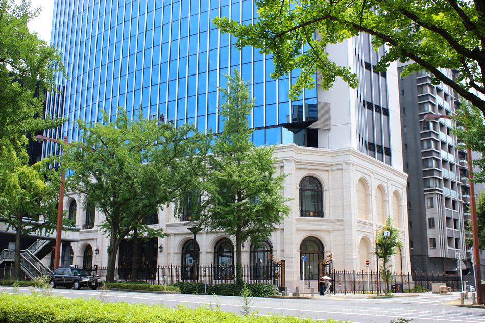 名古屋商科大 新丸の内キャンパス完成!低層部の意匠が凄い!